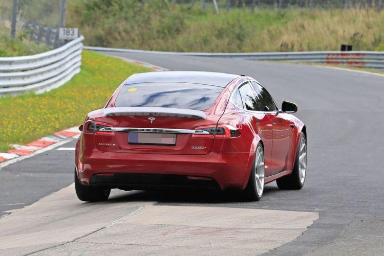 Elon Musk no va de farol: Tesla ya está rodando en Nurburgring con dos prototipos del Model S empepinados, y ha superado en 20 segundos el tiempo del Porsche Taycan