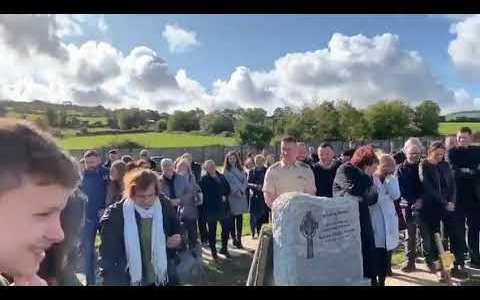 Un crack irlandés deja grabado un audio para que alguien lo metiera en el féretro el día de su entierro