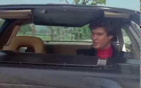 Michael Knight habla por primera vez con Kitt (1982)