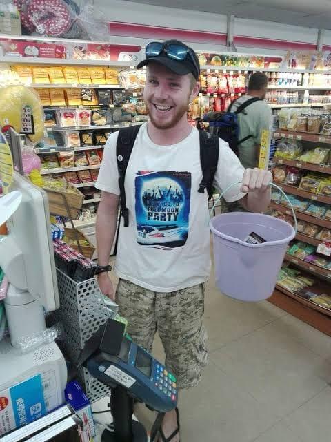 Tailandia prohíbe las bolsas de plástico de un solo uso pero los residentes hallan alternativas creativas
