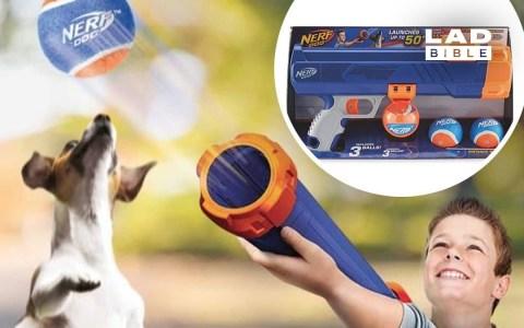 ¿Sabías que Nerf vende un bazooka para lanzar pelotas jugando con tu perro?