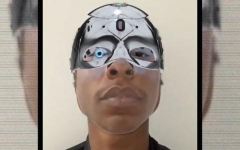 """""""Mi hijo cree que es un Cyborg del año 2050"""""""