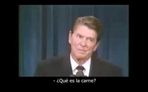 Ronald Reagan contando chistacos soviéticos