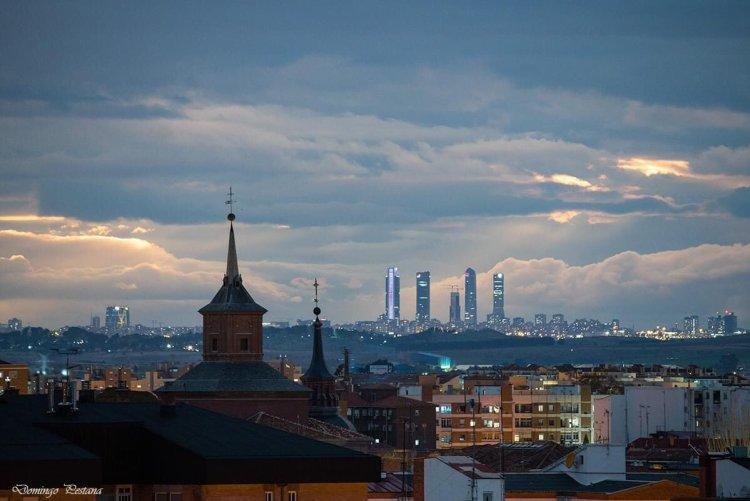 Así es como se ven estos días las cuatro torres DESDE ALCALÁ DE HENARES, a más de 25Km.