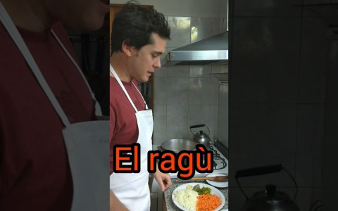 Tallarines de pasta fresca casera con salsa boloñesa (Ragù)