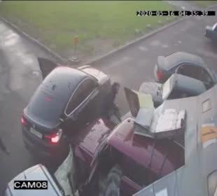 Estos ladrones no se esperaban que el dueño del local que iban a robar le iba a echar tantos cоjоnеs