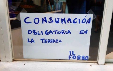 No sé si tiene un manejo del español regulero, o regenta un picadero al aire libre...