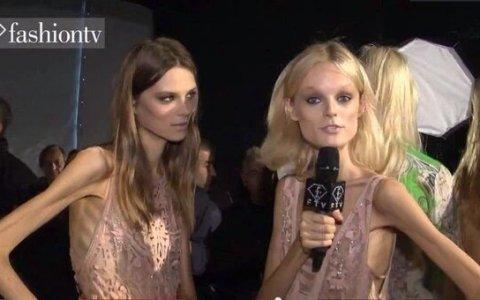 Cuando tienes un desfile de moda a las 8, pero tienes que estar en el campo de Auschwitz a las 9