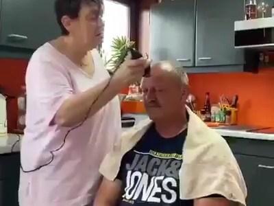 - ¿Cómo quiere el corte de pelo?