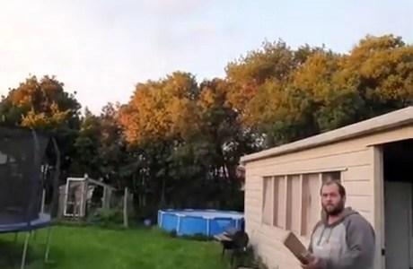Activando el mute en el jardín