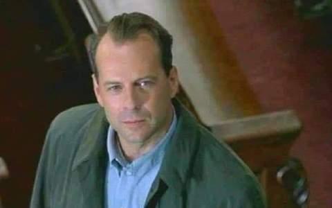 Si estás teniendo un mal día, solo recuerda que este hombre no sabía que estaba muerto y seguía trabajando
