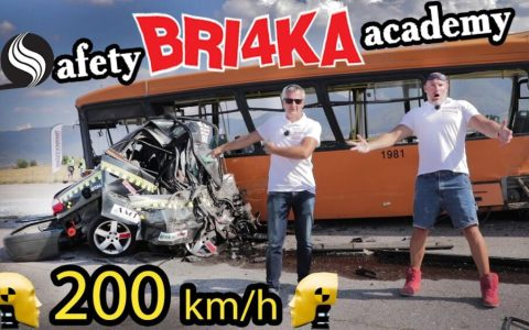 Crash test a 210km/h contra un autobús escolar