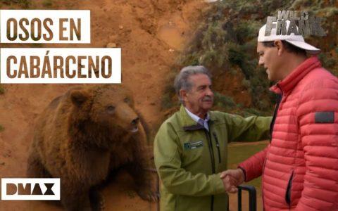 Miguel Ángel Revilla mete a Frank Cuesta en el zoo de Cabárceno