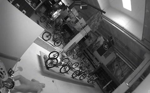 Desvalijan una tienda de bicis: 700.000 euros en una noche.