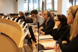 Representantes del CESE escuchan la presentación del estudio de FINSALUD