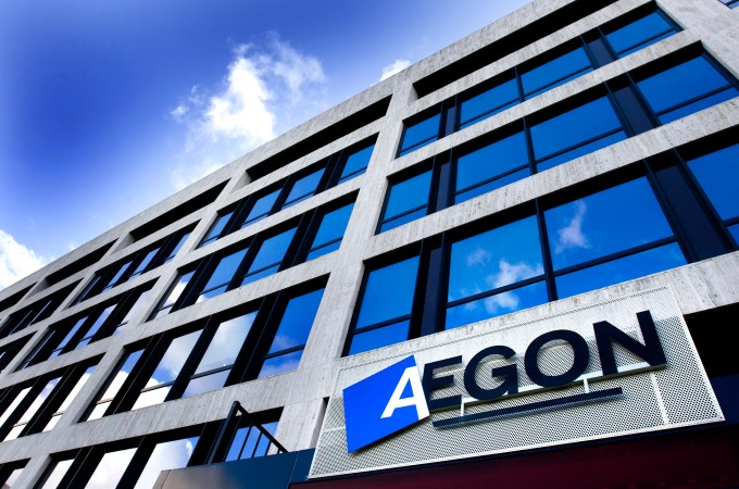 Aegon Reports Higher Earnings And Sales For Q4 2014