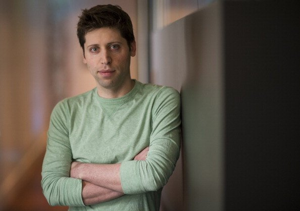 Y Combinator, Silicon Valley's hottest startup factory, has filed to raise a venture capital fund