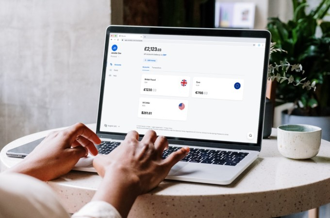 Revolut launches web app and early salary feature in the UK