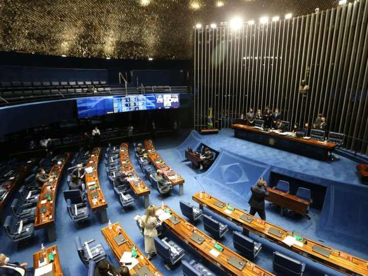 Senado aprova MP que simplifica regras para empresas