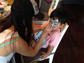 Thanks WWF HK (World Wildlife Fund世界自然基金會香港分會) inviting Fiona to help promoting an online Halloween face painting champaign.