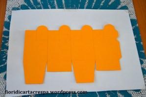 Tutorial_scatolina_faidate_cartoncino_decorata_diy_box_come_fare_una_scatolina_di_carta_ritagliare_origami_carta_da_pacco_tutorial_piccoli_lavoretti_2