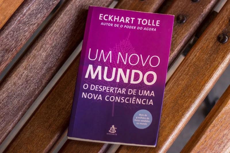 Capa do livro Um Mundo Novo