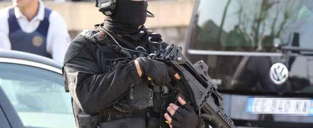 Nîmes : opération du RAID en plein centre-ville, le quartier bouclé