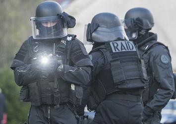 Le RAID donne l'assaut pour immobiliser un homme à Villeurbanne