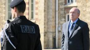 Bièvres : Gérard Collomb en visite dans les locaux du RAID