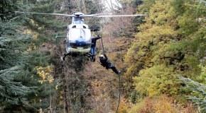 Exercice : prise d'otages à Buffières, le RAID intervient