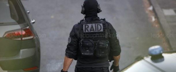 Manosque : un homme retranché chez lui : le RAID intervient