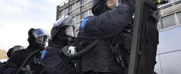 Yvelines : il aurait attaché son fils de 13 ans à son lit pour le punir, le RAID intervient