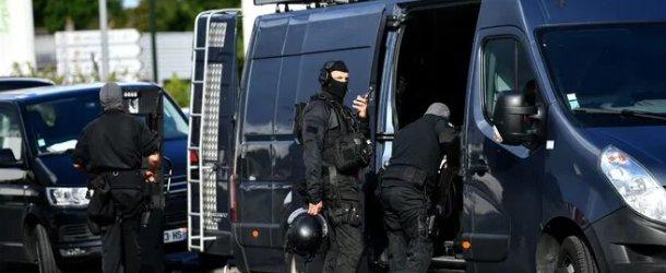 L'homme retranché chez lui à Brive (Corrèze) a été interpellé, aucune victime n'est à déplorer.