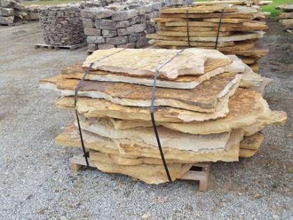 tennessee-quarry-brown-sandstone-flagstone--mega-slabs-tan-natural-stone-patio-walkway-3