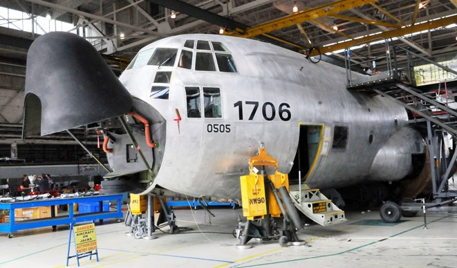 C-130 1706 wing box replacement
