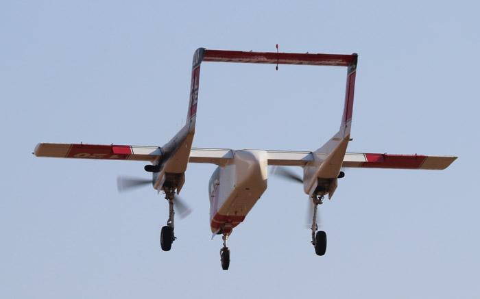 AA120 landing at RDD 8-7-2014