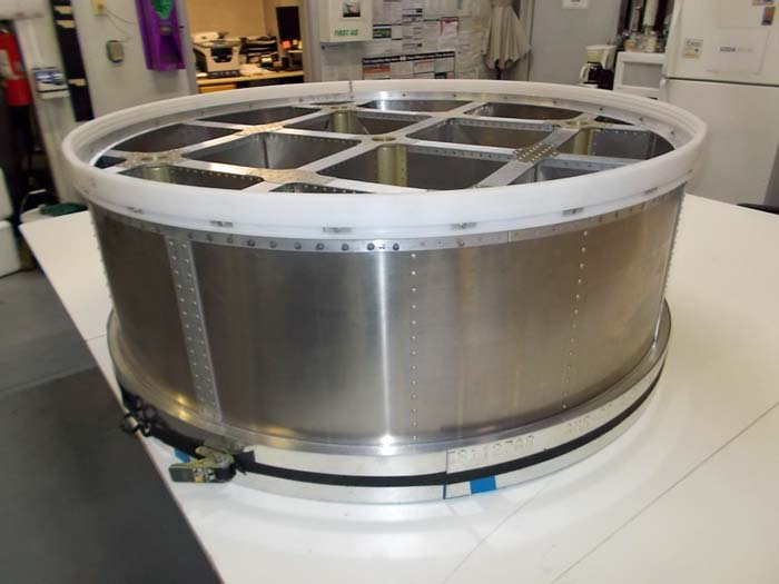 Chinook tank piston assembly