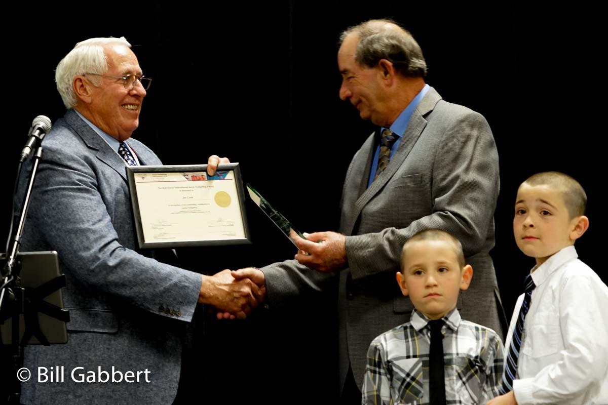Jim Cook receives Walt Darren Award