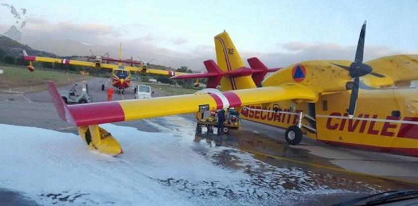 CL-415 landing gear failure