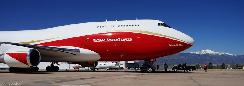 Tanker 944, a 747-400