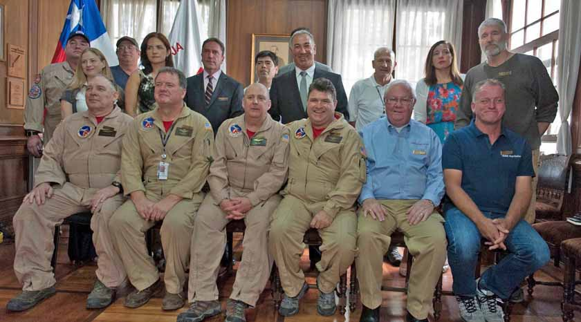 Red Cross honors crew of 747 in Chile