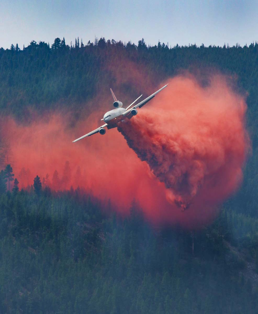 Correlating wildfire occurrence with aircraft use