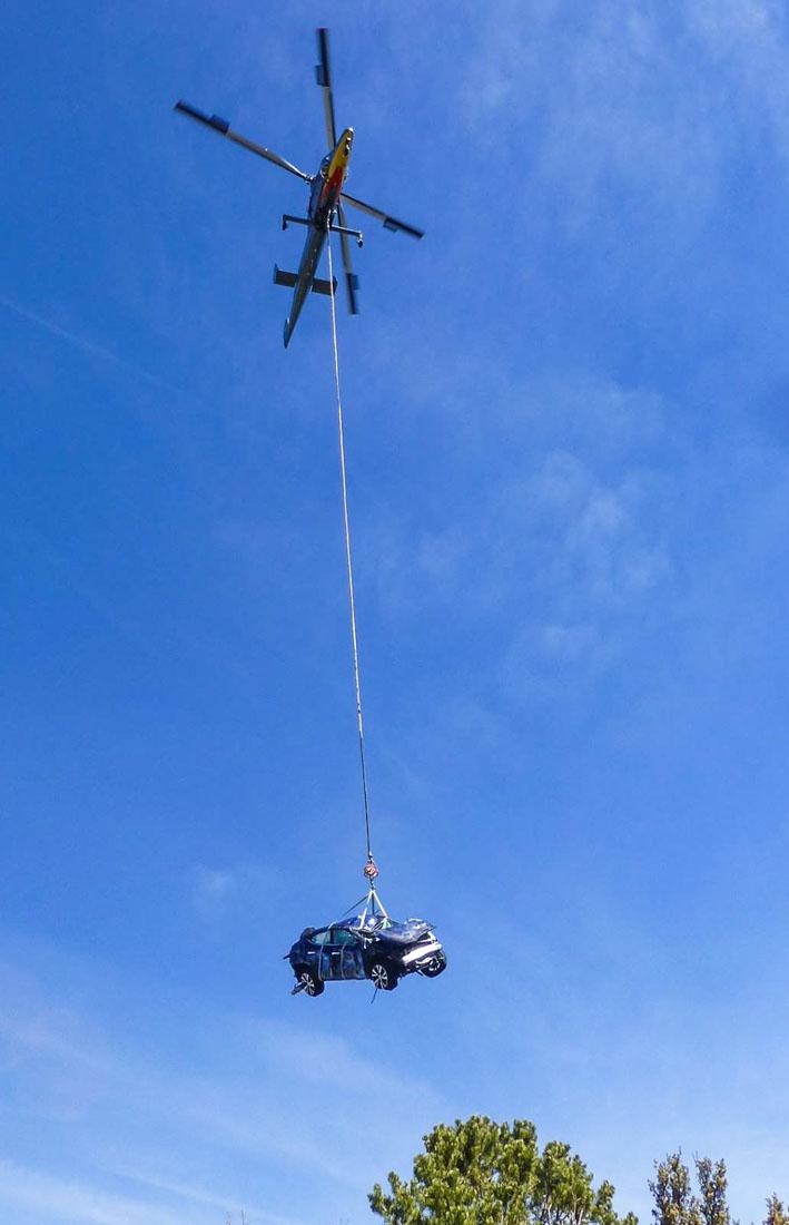 K-MAX lifts vehicle grand canyon