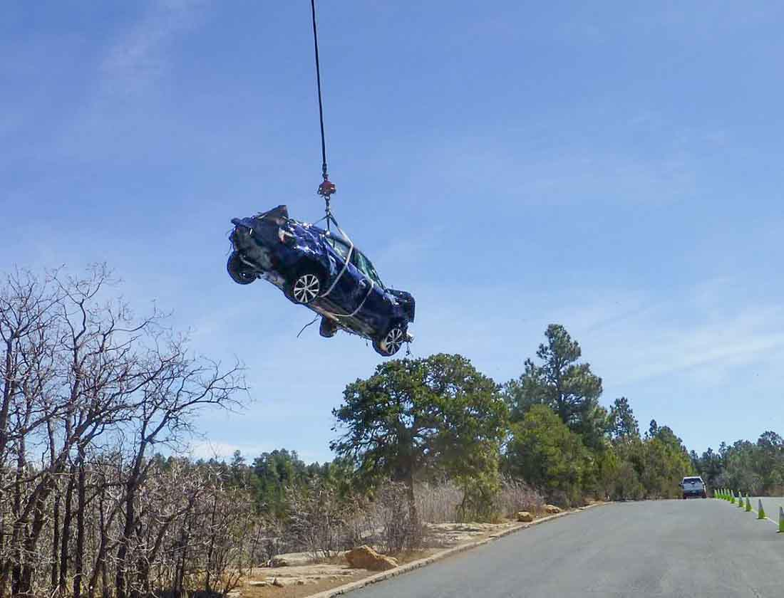 K-MAX lifts vehicles out of Grand Canyon