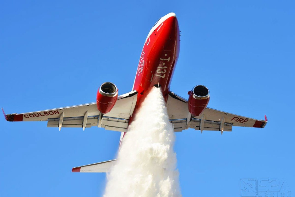 The first drops from the 737 air tanker