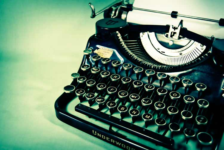 antique_typewriter-786519