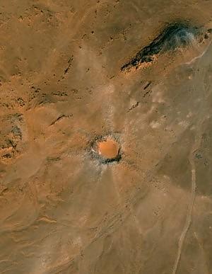 Un cratere nel deserto del Sahara cos Siena scopre i