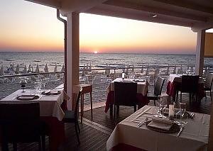 A cena sulla spiaggia  Firenze  Repubblicait