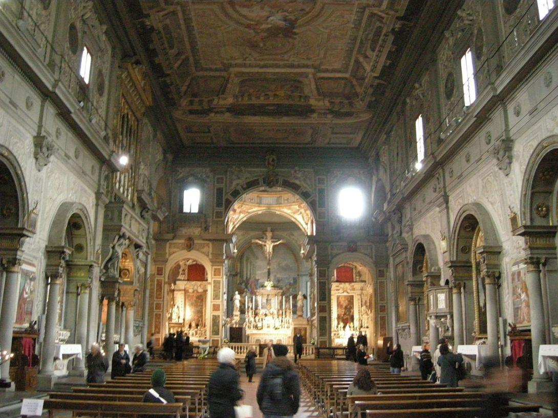オンニッサンティ教会内部