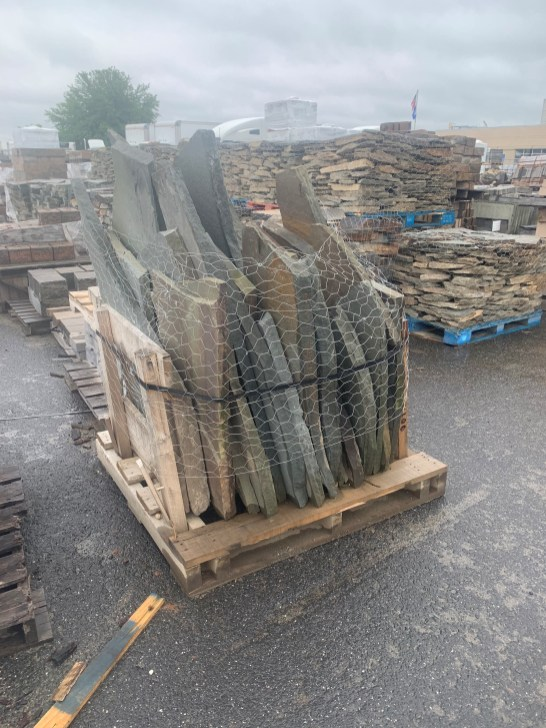 1.5-Ton Pallet of Bluestone Flagging